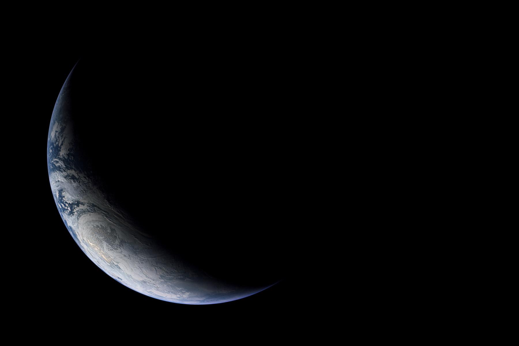 NASA-Earth-PS1800